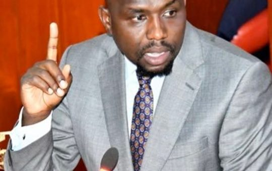 Kipchumba Murkomen warns Uhuru against betraying Raila as Ruto-Raila alliance causes jitters at State House