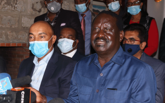 File image of Raila Odinga flanked by other politicians