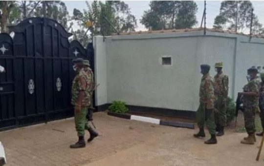 ODM Governor surprises armed police who raided his home