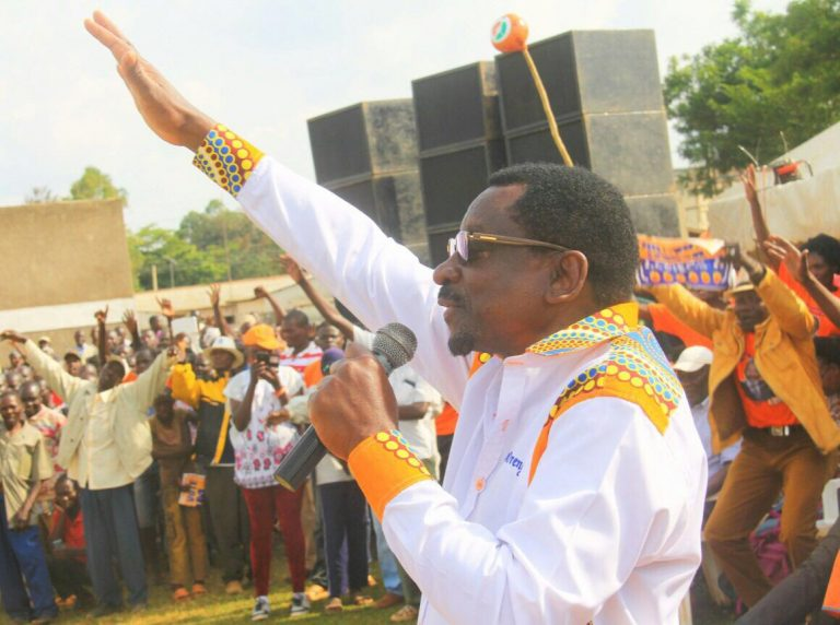 James Orengo and Otiende Amollo flee as chaos break out at ODM event in Siaya