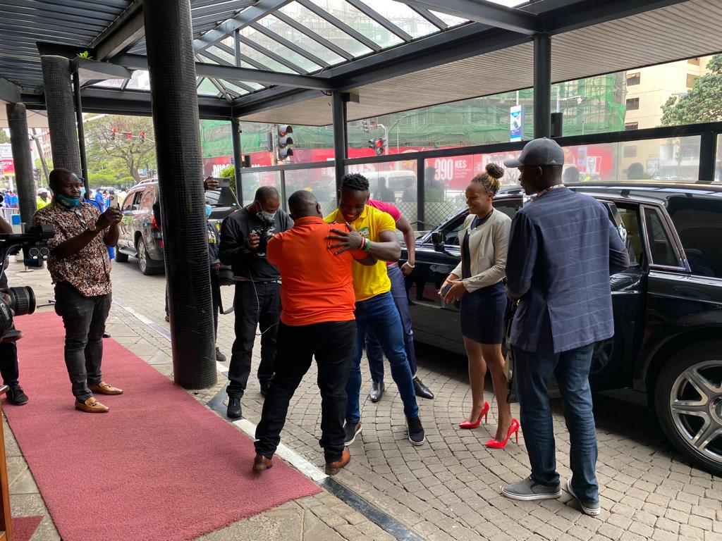 Odibets Breaks the Bank for Ferdinand Omanyala, Gifts Him a Brand New Car after Setting 100m African Record (Photos)